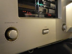 A_Accuphase_A-50_m0a722_3.jpg