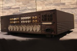 ___Accuphase_C-290_m0a697_5.jpg