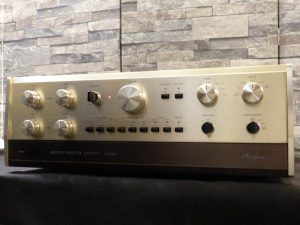 _C-200_Accuphase_C-200X_m0a754_1.jpg