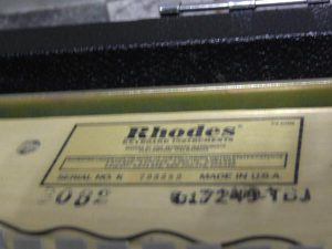 _Rhodes_piano_Mark_m0o257_3.jpg