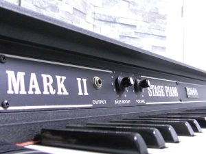 _Rhodes_piano_Mark_m0o257_7.jpg