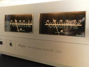 __Accuphase_P-266_m0a755_2.jpg
